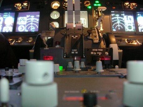 Visão de perto do Simulador 737-NG.