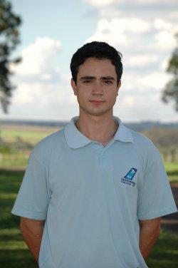 Adriano Saporiti Pimentel. Curitiba/PR. <br> Habilitações: PC MLTE/IFR/INVA. <br> Bacharel em Ciencias Aeronáuticas pela Universidade Tuiuti/PR.