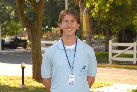 Nome: Jonatas CERETTA <br> Idade: 22 anos <br> Naturalidade: Santo Angelo/RS <br> Habilitação: PC IFR/MLTE/INVA <br> Formação: Bacharel em Ciências Aeronáuticas/Piloto Comercial <br> PUC/RS