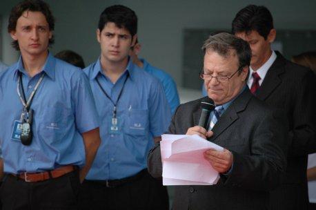 Edmir Gonçalves durante discurso, onde contou a trajetória da EJ