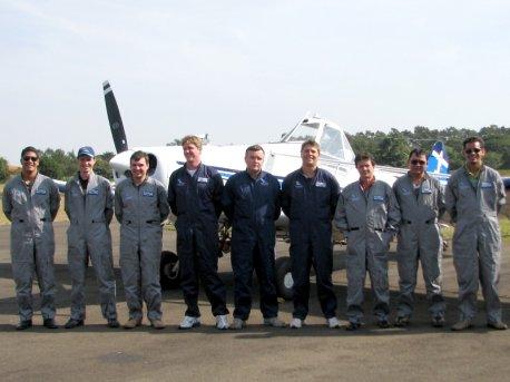 Formandos da II Turma de Piloto Agrícola de 2008.