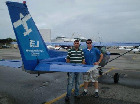 Os aeronavegantes - O aluno André e o instrutor Abdalla.
