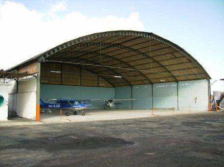 A aeronave da EJ também foi tratada com a maior atenção.