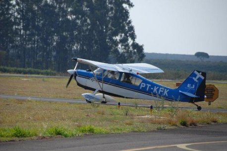 Citabria, aeronave utilizada no treinamento inicial.