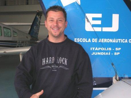 Julio Nogas.
