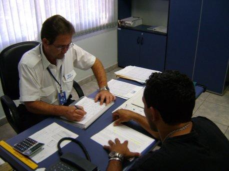 O primeiro passo é fazer o agendamento do seu vôo com o Coordenador de vôo Gula.