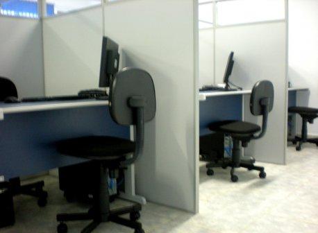 <b>Salas de Briefing</b><br>Salas de Briefing e De-Brienfing modernas, oferencendo um melhor aproveitamento em todos os vôos.