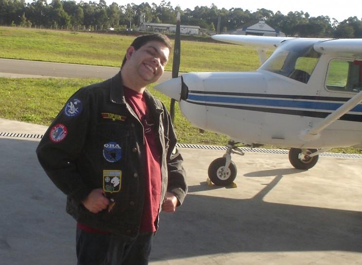 Um aluno pra lá de divertido, Rafael realizou seu primeiro voo solo.