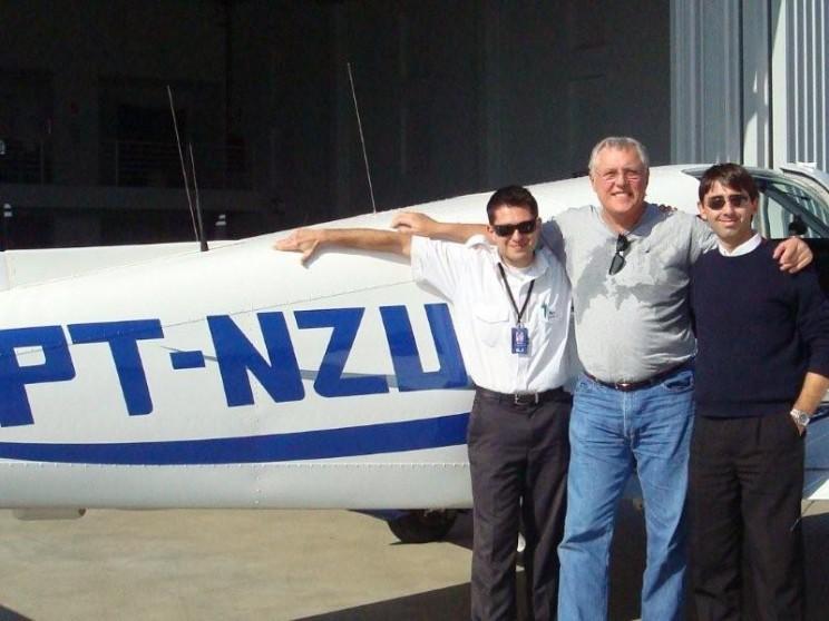 A EJ deseja bons voos ao mais novo piloto.