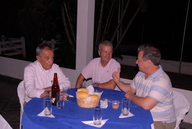 Cmte. Edmir com os amigos Cmte. Marcelo Carvalho e Cel. Ajax