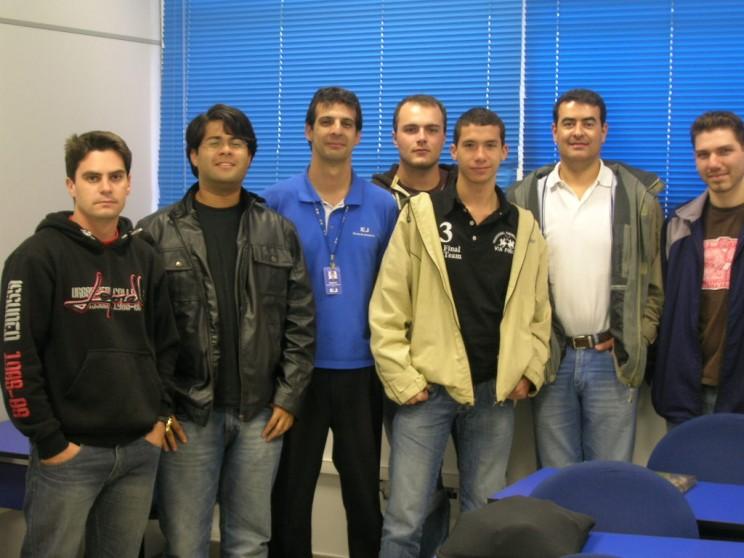 Estes são os alunos que estão participando do curso teórico intensivo de Piloto Comercial de Avião.