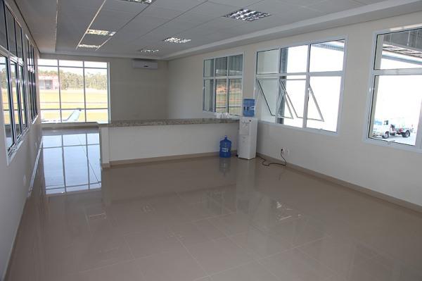 Esta sala será equipada somente para alunos, visitante e familiares de alunos.