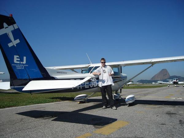Voo Jundiaí ao Santos Dumont no dia 09/06/2008. O instruto ! r era o Grillo.