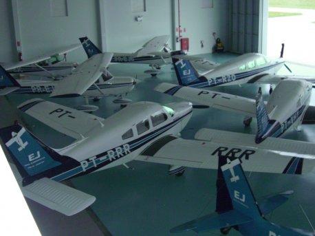 Hangar.