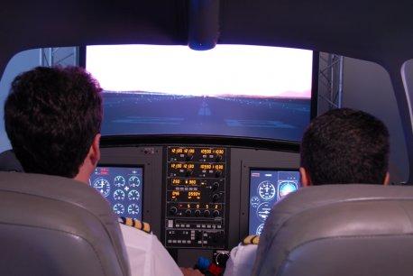 Simulador MFD X-Plane preparando para decolagem.