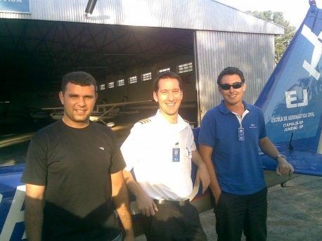 André, e os instrutores Caco e Abdalla.