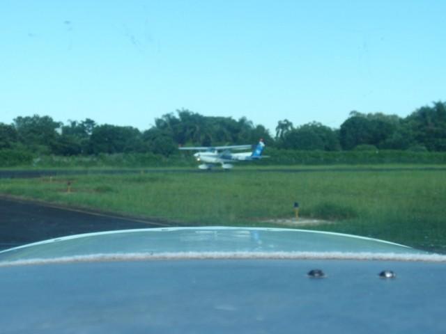 PT-WQO iniciando decolagem da 19.