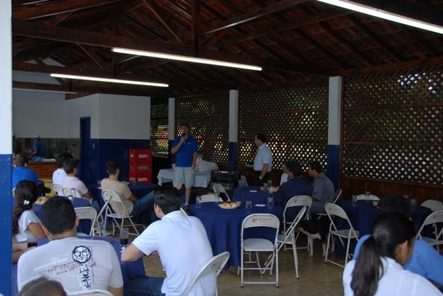 Alunos agradecem o instrutor Josué e a equipe EJ pelo treinamento diferenciado realizado com sucesso.