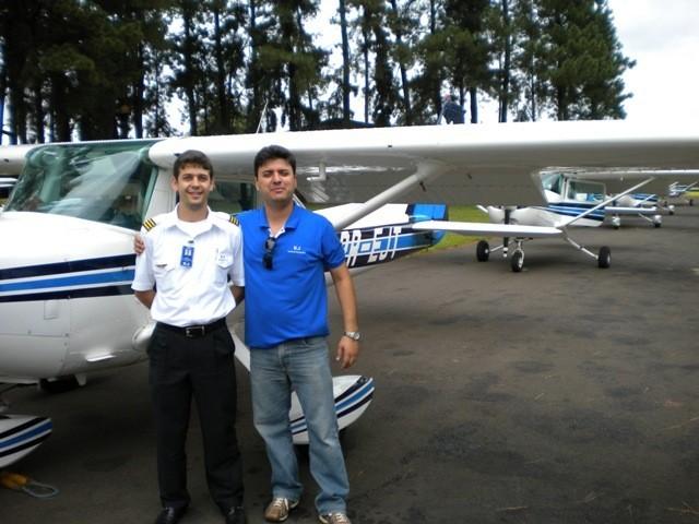 Instrutor Fabrício e o aluno Daniel Novaes.