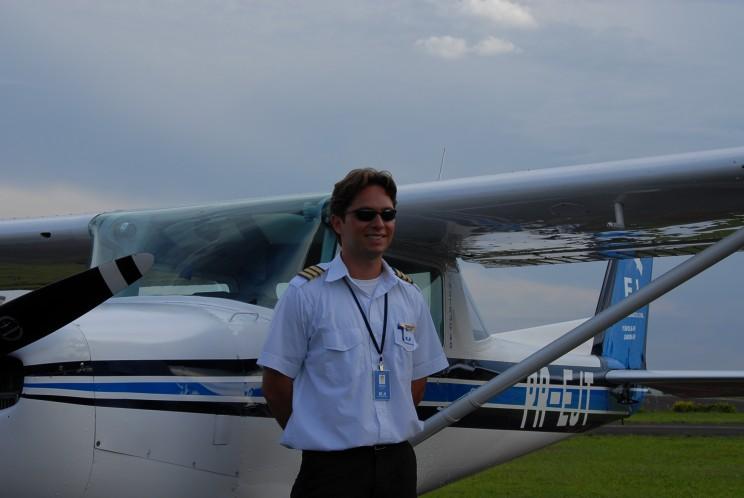 Fagner Raphaelli de Fraga, voou na EJ 727 horas, atualmente é piloto na Azul.