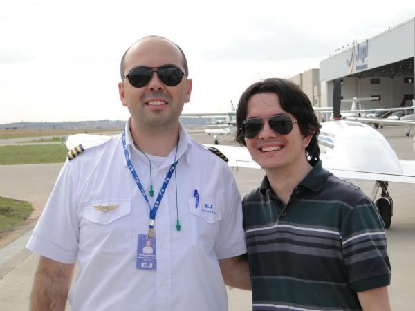 INVA Fabiano, além de grande instrutor, uma ótima pessoa! Meu primeiro contato in loco na escola.